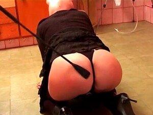 Kinky Garota Mascarada é Capturada No Jogo De BDSM Porn