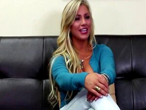 Loira Teen Sobre O Casting Couch Porn