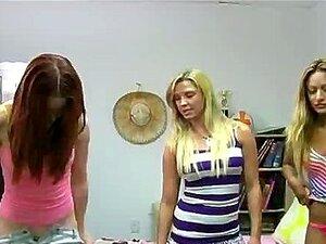 Apressa-se Submisso Lambendo Buceta Durante Trote Porn