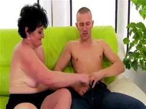 Amador Velha Avó Obtém Oral Porn