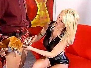 Vivian Schmitt - Hospitalidade Alemã Porn