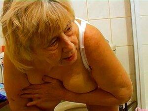 OmaHoteL, Uma Compilação Caseira De Avózinha Amadora Caseira, Vídeo Caseiro Com A Compilação De Avó Lésbica Amadora Encontra Este Vídeo Na Nossa Rede Porn