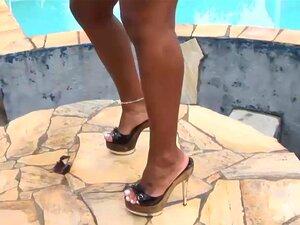 Clitóris Grande Brasileiro Adora Anal Profunda, Extremo Quente Clitóris Grande Brasileira Gata Adora Sexo Anal Profunda Na Natureza Porn