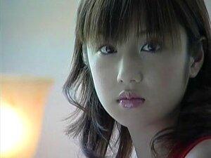 Yuko Ogura No Infinito. Idol Yuko Ogura Em Seu Vídeo De Gravura De 1 Hora Com Ela Em Vestidos Sexy Porn