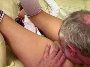 Asslicking Dezoito Anos De Idade Com O Vovô Porn