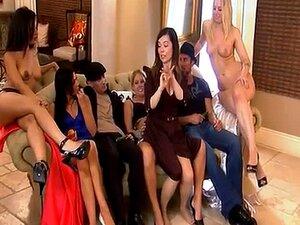 Quarteto De Meninas Muito Quente No Quarto Da Casa De Playboy Porn