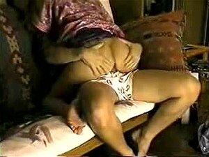 Câmera Escondida Web Pego Minha Namorada Teeen Me Traindo, Escondi A Câmera Aqui, Para Ver Se A Prostituta Verdadeiramente Teve A Coragem De Trazer Alguém Em Minha Casa E Fazer Sexo Com Eles Ali, Naquele Momento! Porn
