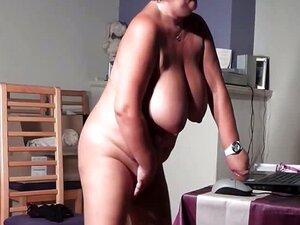 Miúda Madura A Masturbar-se Na Cama Porn