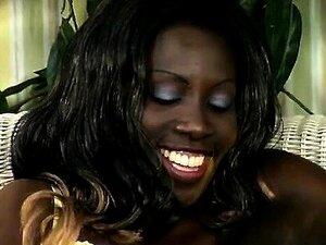 Linguas Grandes E Brancas De Imigrantes Ebony Molhados. Porn