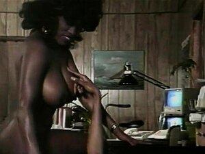 Black Babe Gosta De Estar No Controle Porn