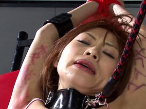 Sessão BDSM A Miúda Asiática Passa Pelos Gajos Porn