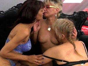 As Mães Lésbicas Fodem A Avó Angelyn Peluda Do 1fuckdatecom Porn