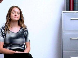 ShopLyfter-O Adolescente Natural Explode O Segurança Porn