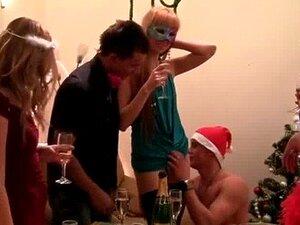 Orgia Na Festa De Natal Porn