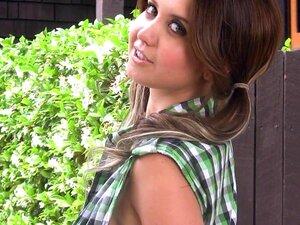 Morena Com Peitões Chrissy Marie Mostra A Cona Aparada Porn