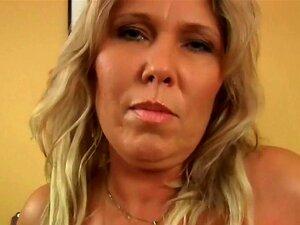 Mãe Mais Velha Grande Titted Cabecas E Adquire Recheado, Porn
