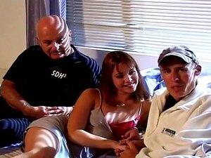 Dois Tipos Fodem O Big Tit Milf Mrs. L Hill. Lacy E Steve Estão Casados Há Seis Meses E Uma Das Fantasias Da Lacy Foi Ser Fodida Por Mais De Um Homem De Cada Vez.  Nesta Cena, Ela é Pregada Por Joel Lawrence, Enquanto Steve Assiste E Dá Dicas. Porn