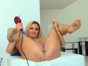 A Mãe Anal Lubrifica O Cu Para A Merda Do Dildo Nikki. Porn