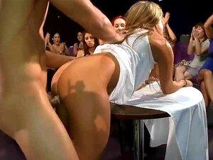 Putas Fazendo Fila Para Chupar Um Pau Porn