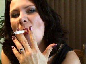 """Morena Com Tesão, Fumando """"sexy"""", Porn"""