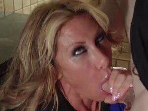 Farrah Dá-lhe Uma Punheta Na Frente De Sua Madrasta, Janet, Toda Vez Que Farrah Vem Para O Chá, Tijolo Fode Cara De Farrah, E às Vezes Ela Até Dá-lhe Uma Punheta Embaixo Da Mesa Enquanto Sua Madrasta Que Janet Está Sentado Aí Mesmo! Porn