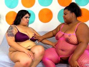 BBW Lésbica Chupar Boceta E Usa Brinquedos Sexuais Porn