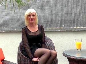 Caroline Anal Madura Francesa Fodida. A Caroline é Uma Puma De 38 Anos, Divorciada E Pronta Para Ter A Sua Primeira Experiência Anal.. Porn