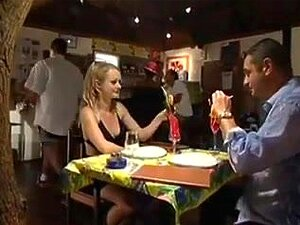 Rita Neri Público Anal, Um Bar De Repente Se Transforma Em Uma Festa Quente Anal Insana Como Os Anjos Começam Wazoo Batendo E Engolindo A Wang. Porn