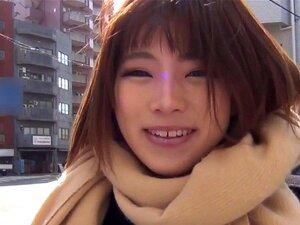 Putas Japonesas A Piscar. Galdérias Japonesas Que Piscam Cuecas Ao Ar Livre Em Público Porn