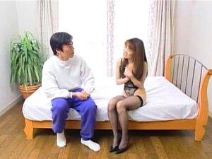 Os Japoneses Foderam, Esta Encantadora Tarte Japonesa Viu Um Homem A Espreitar Pelo Quarto Dela, Nu. Vendo Como As Suas Flechas Gordas São Grossas, Fez Com Que Ela Se Ligasse E Mergulhasse Naquele Enorme Pénis Pulsante. Porn