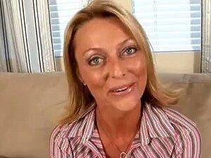 A Boazona Marota Brenda James Está A Provocar O Seu Amigo No Cam. Porn