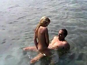 Dana Duval Está Em Um Barco De Pesca Um Pouco A Fazer Porn