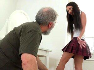 Velho Jovem Goes - Nakita Tem O Sexo Mais Incrível Porn