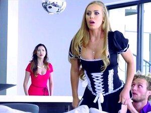 A Empregada Perfeita, Nicole Aniston, é Uma Puta Submissa A Ser Fodida Pelo Patrão. Porn