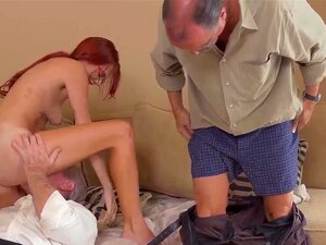 O Velho A Meter O Dedo Na Rata E A Velha Lésbica A Tomar Banho Frankie E O Bando Porn
