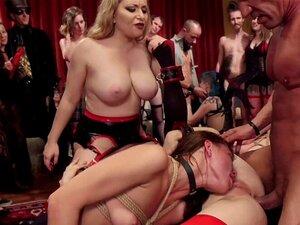 Escravos Fodem Anal E Fazem Orgias De Cumshot. No Baile De Máscaras Do Dia Das Bruxas, As Suas Escravas Boazonas Fazem Sexo à Bruta E Anal E Recebem Fotos Faciais Em Sexo De Orgia. Porn