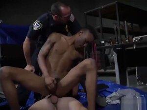 Polícias Musculados A Arrombar E A Entrar Levam A Uma Prisão Violenta., Porn