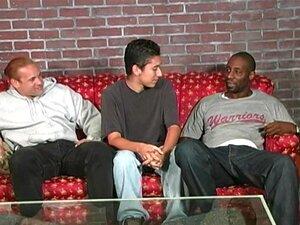 O Gay Amador é Lixado Por Negros, O Gay Amador Alegre é Lixado Por Dois Negros Enforcados Porn