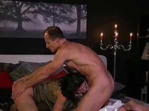 A Mãe Mulher Surpreende O Marido Com Uma Prenda Do Dia Dos Namorados. Porn