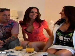 Dois Babes Impressionantes Tem Um Trio Selvagem No Money Talk Mostrar Porn