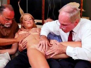 O Papá Urso Fodeu O Gajo E O Velho E Novo Escritório Frannkie E O Gang Tag Team A Porn