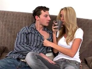 Madura Rubia Caliente Coge Con Pendejo Porn