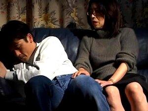 Esposa Japonesa Makiko Miyashita Fica Fodida Na Posição De Missionário Porn