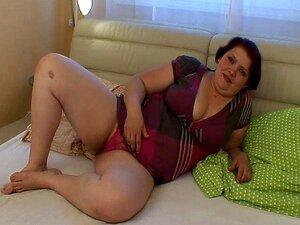 GAROTA GORDA DE MERDA!!!! Porn
