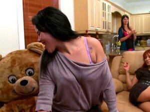 O Cabrão Do Urso Dançarino Em Casa! Cuidado! (db9376) Porn