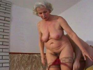 Outra Da Avó Norma A Foder Com Meias Porn
