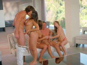 VIXEN Riley Reid, August Ames E Abella Danger's Day Out Porn
