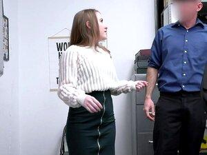 O Adolescente Inocente É Fodido Pelo Oficial. Porn