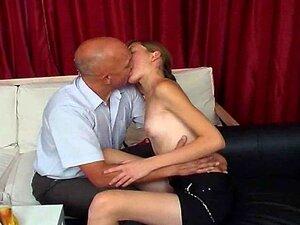 Com Tesão Velho Safado Com Menina Modesta Porn