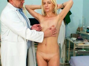Tratamento De Médico De Mulher Magra Vovó Hirsuto, Porn